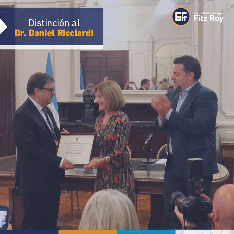 Distinción al Dr. Daniel Ricciardi